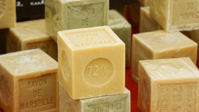 Fabrication de savon et de crèmes cosmétiques
