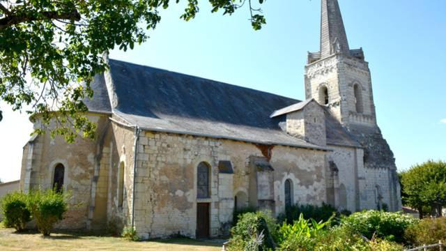 Vue de l'église paroissiale Saint-Rémi depuis l'est