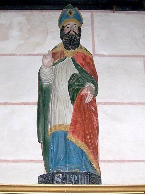 La statue de Saint-Rémi, dans l'église. Commune de Leigné-les-Bois.