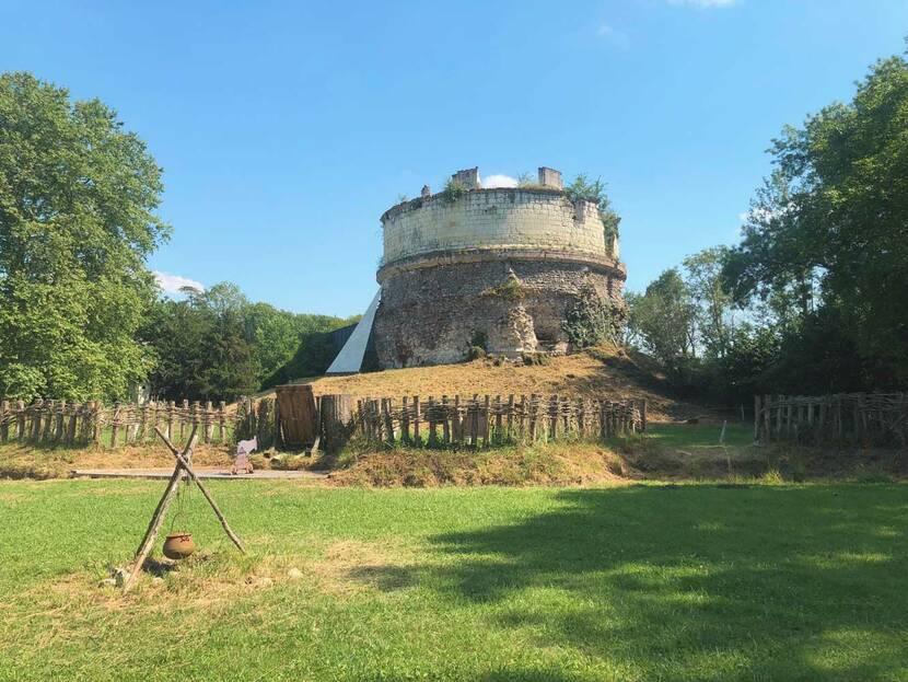 tour forteresse monthoiron léonard de vinci