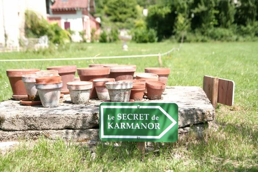 LE SECRET DE KARMANOR MONTHOIRON