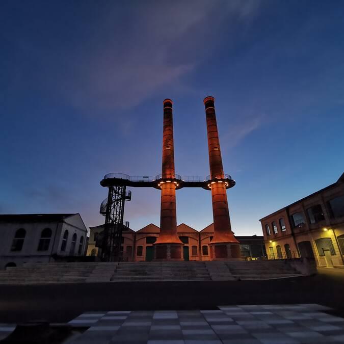 Les tours de La Manu by night