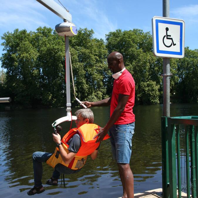 Portique de levage pour les personnes à mobilité réduite