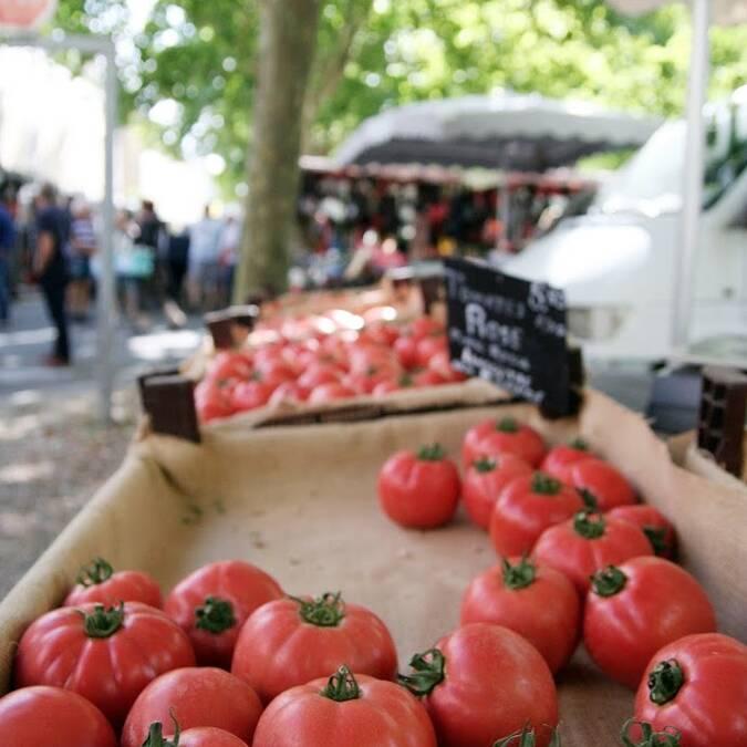 Le marché du samedi matin à Bonneuil-Matours