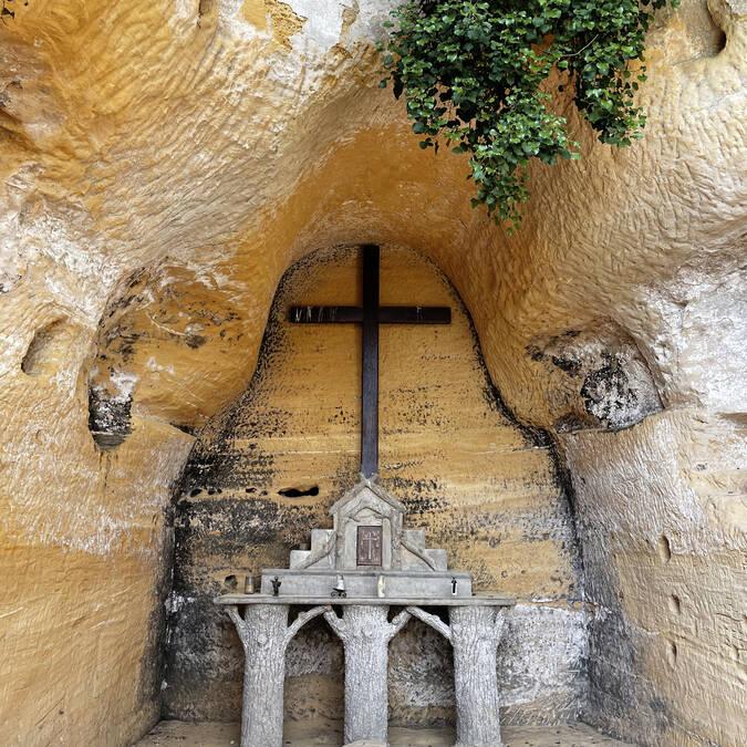 La petite chapelle troglodyte
