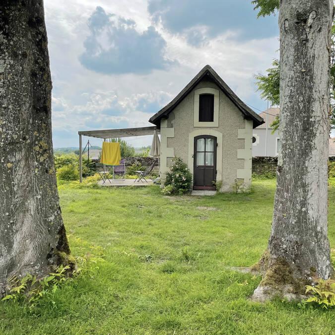 Autre hébergement : maisonnette en pierre du 19ème siècle